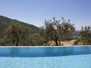 Tuscan Villa with Private Studio
