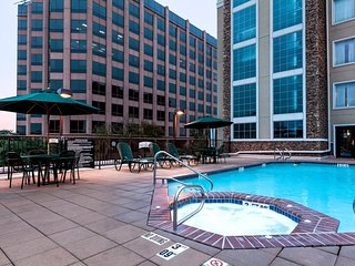 Free Breakfast + Outdoor Pool | Suite with Roll-in Shower Only 15 Minutes from