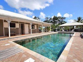 Little Neivy: grande piscine de 12m, à 3 min à pied de la plage