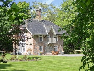 Swiss Cottage and Chalet - UKC2184
