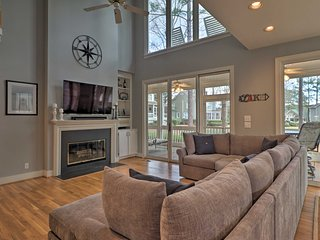 NEW! Lakefront Home w/Deck Overlooking Lake Oconee