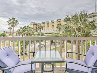 NEW! Waterfront Condo On The Galveston Seawall!