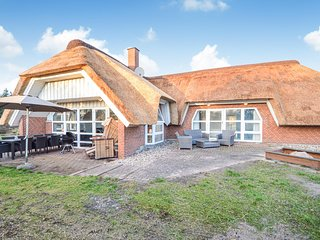Stunning home in Rømø w/ Sauna, WiFi and 4 Bedrooms (R10603)