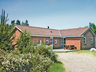 Stunning home in Rømø w/ Sauna, WiFi and 4 Bedrooms (R10941)
