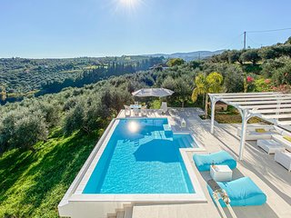 Awesome home in Koroni w/ Outdoor swimming pool and 3 Bedrooms (GPE393)