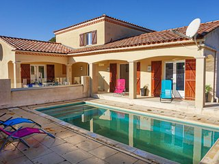Nice home in Aigues Vives w/ Outdoor swimming pool and 3 Bedrooms (FLH341)