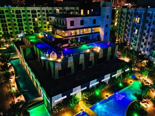 4 person flat Pool View - Beach Resort close to Walking Street