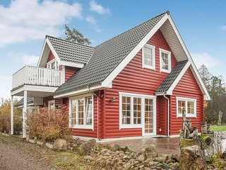 Awesome home in Ljungby w/ 3 Bedrooms (S25277)