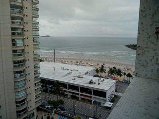 Apartamento com vista para a Praia das Pitangueiras Guarujá-SP