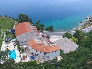 Awesome home in Lokva Rogoznica w/ Jacuzzi, WiFi and 7 Bedrooms (CDM407)