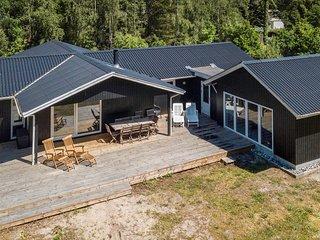 Nice home in Vaeggerlose w/ Sauna, WiFi and 6 Bedrooms (K17710)