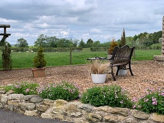 Sunset View :Pretty stone cottage with extensive grounds,sleeps 2 parking,WiFi