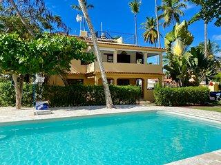 Los Corales -Villa Private Gated Beachfront Resort