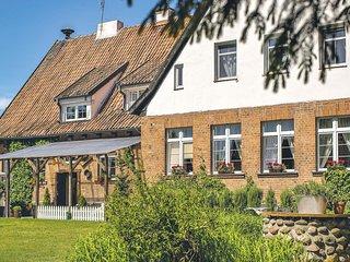 Beautiful home in Milakowo w/ WiFi and 6 Bedrooms (PMA593)