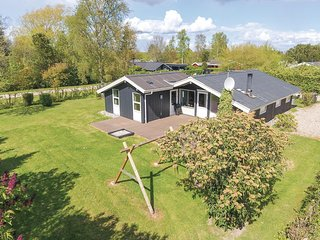 Beautiful home in Sydals w/ Sauna, WiFi and 3 Bedrooms (F09449)