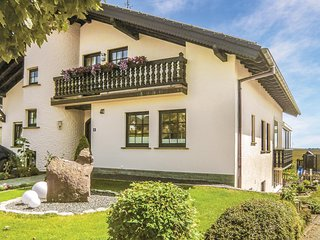 Amazing home in Karlshausen w/ WiFi and 3 Bedrooms (DEI239)