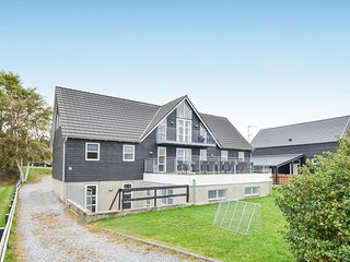 Beautiful home in Ebeltoft w/ Sauna, WiFi and 10 Bedrooms (E4060)