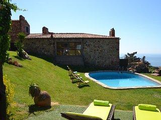 Villa Charm - New!
