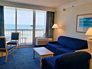 Budget Friendly! OceanFront 3rd Floor Condo, Walk to Shops & Dining, Private Bal
