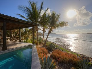 Coral Cove | Oceanfront Retreat