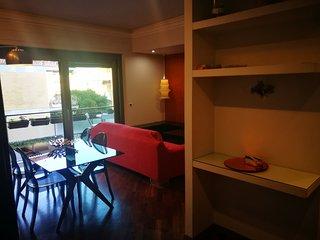 Incantevole appartamento nuovo e moderno, 2 camere, 2 bagni, ben collegato