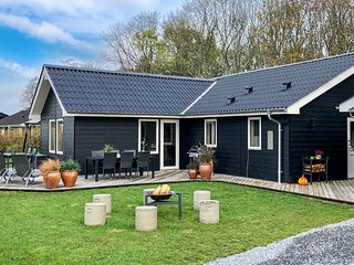Amazing home in Juelsminde w/ Sauna, WiFi and 3 Bedrooms (D88152)