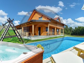 Amazing home in Grkavescak w/ Outdoor swimming pool, Jacuzzi and 3 Bedrooms