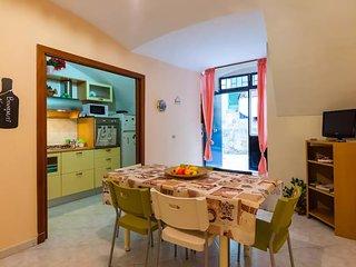 Appartamento con terrazzo in pieno centro storico, fino a 10 posti letto