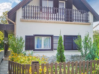 Stunning home in Balatonfenyves w/ 4 Bedrooms (UBF762)