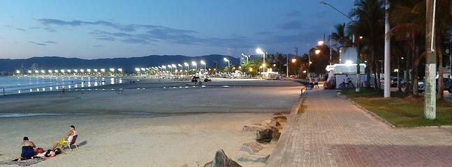 Tortuga's Corner, vista nocturna