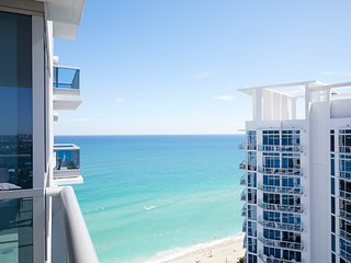 Domio | Miami Beach | Partial Ocean View + Balcony | One Bedroom