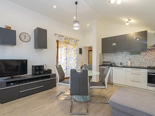 Awesome apartment in Podgradina w/ WiFi and 2 Bedrooms (CDA613)