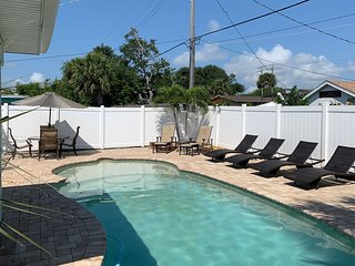 Recently Renovated 1BR/1BA Sleeps 4 w/ Private Pool, WiFi, Near the Beach