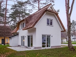 Beautiful home in Zirchow/Usedom w/ Sauna and 2 Bedrooms (DMU177)