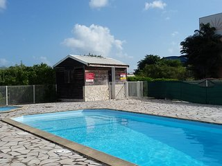 APARTMENT IN PRIVATE RESIDENCE GOURDELIANE GUADELOUPE, 3 BEDS, POOL AND GARDEN