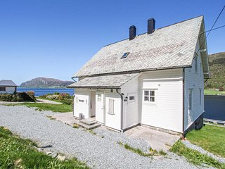 Nice home in Stongfjorden w/ 5 Bedrooms (N24183)