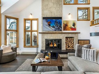 Mountain Modern Haymeadow Townhouse just steps from the slopes, & hot tub