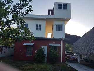 Casa de Playa 'El Castillo' - King Suite