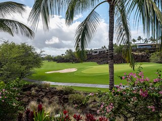 Plan for Summertime in Hawaii; inviting 3 bedroom condo at amazing pricing!