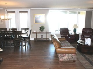 Dream Luxury Condo 3 bed 2 bath- Almost a Penthouse! Amazing Lake Views, Best Lo
