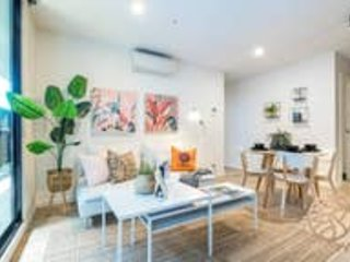128*Summer Playfulness along the Yarra River*3BR Playhouse Suite