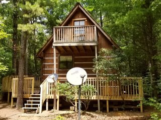 New Listing: Cupids Cove Cabin Romantic Mountain Getaway in SE TN