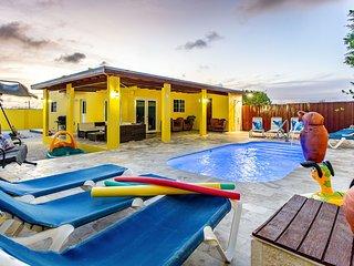 3 BR villa close to Eagle Beach with private pool