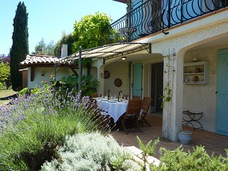 Garden apartment with shared pool in countryside setting near Limoux