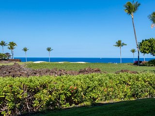 New to VRBO.  Relaxing Ocean Views from your Hawaii Vacation Condo.