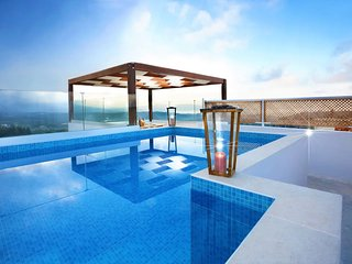 Traditional newly restored 4brd villa with amazing views,rooftop pool,gym,BBQ!