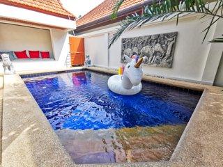 Private Pool Villa best area +Parking+Wifi+Netflix