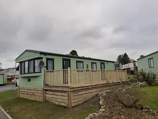 Dog friendly static caravan near coast