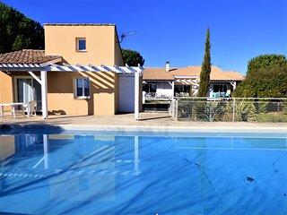 Villa d'architecte avec grande piscine privée et jardin proche mer et montagne