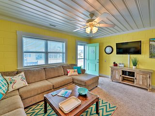 NEW! Colorful Cottage with Patio & Steps to Beach!